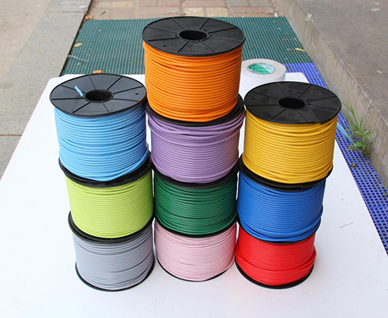 PVC塑胶地板焊线